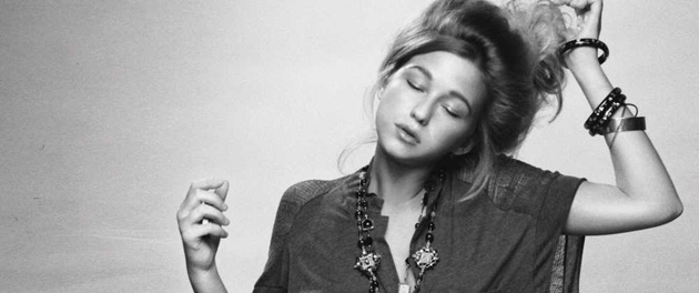Selah Sue da a conocer el video de su último single, This World