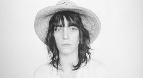 Patty Smith compone un tema como tributo a Amy Winehouse