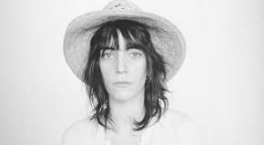 Patty Smith compone un tema como tributo a Amy Winehouse