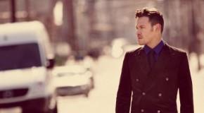 Will Young y un carro de la compra, pareja de baile en el video de I Just Want a Lover