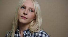 Ya puedes disfrutar del último clip de Laura Marling, el folklórico All My Rage