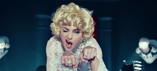 Madonna rejuvenece y se reinventa de nuevo con Gimme All Your Luvin'. Ya puedes ver el videoclip