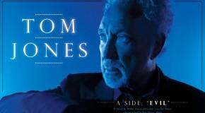 Tom Jones une fuerzas con Jack White y versiona Evil y Jezebel. En plena forma