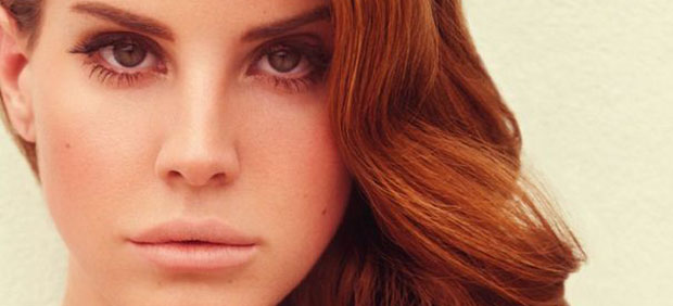 Sugerente imagen de Lana del Rey en el video de Blue jeans