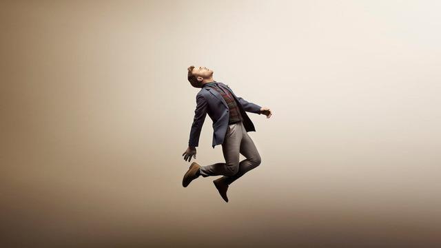 Daniel Bedingfield se desnuda en el angustioso videoclip de Secret Fear