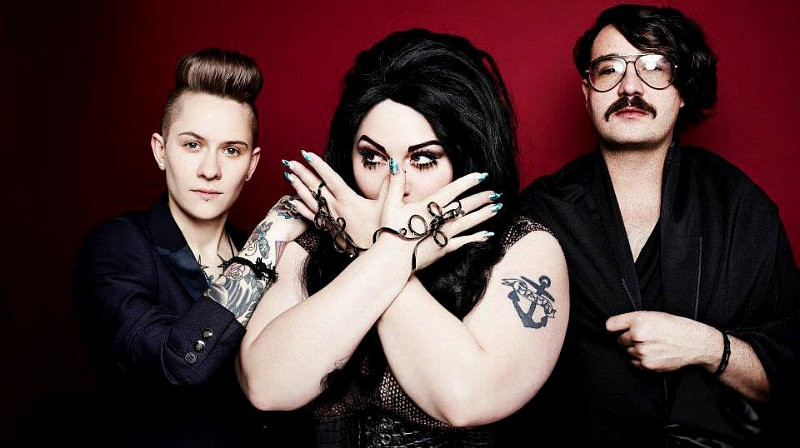 Beth Ditto sigue en plena forma. Escucha ya Perfect World, el regreso de Gossip