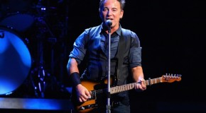 Bruce Springsteen en directo en el video de Death To My Hometown