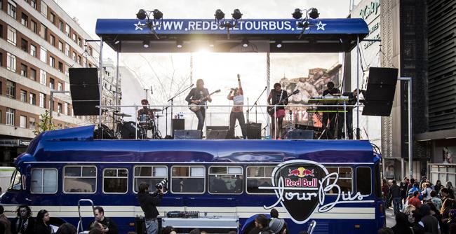 [Agenda] Red Bull Tour Bus hace parada en el SOS 4.8 con Maika Makowski, Klaus & Kinski y The Monomes