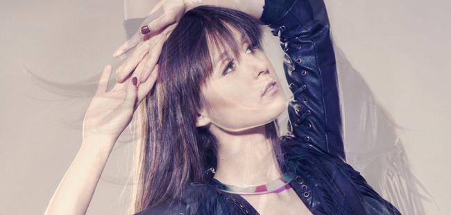 Francisca Valenzuela estrena el cinematográfico videoclip de Buen Soldado