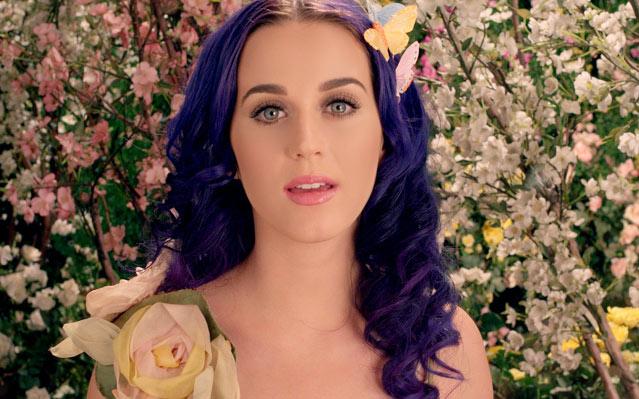 Katy Perry estrena el onírico Wide Awake como adelanto de su film Part Of Me