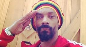 Snoop Dogg se reencarna en Snoop Lion y publica un álbum de reggae. Escucha La La La