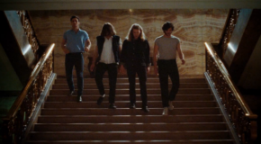 Conciertos de ascensor con The Vaccines en el video de Teenage Icon