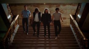Conciertos de ascensor con The Vaccines en el video de Teenage Icon
