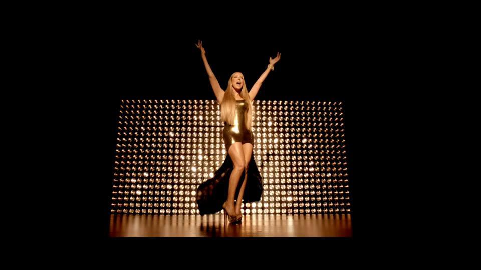 Mariah Carey estrena el dorado video de Triumphant (Get 'em)