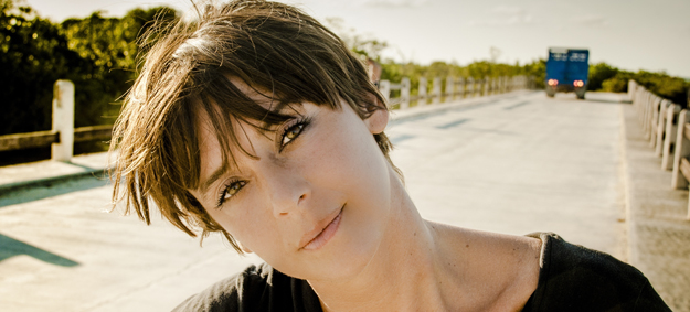 Cat Power se da un paseo por las calles de Manhattan