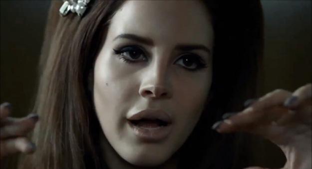 Lana del Rey versiona Blue Velvet para la nueva campaña de H&M
