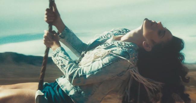 Anthony Mandler dirige el videoclip de Ride, escrito por Lana del Rey