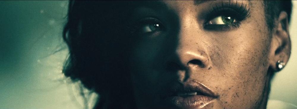 Rihanna o la gallina de los discos de oro: contundente videoclip para Diamonds