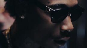Wiz Khalifa critica la presión de la moda en el videoclip de Remember You
