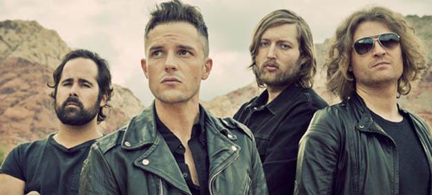 Tim Burton dirige y Winona Rider protagoniza el nuevo video de The Killers, Here With Me