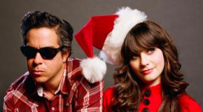 Zooey Deschanel, peleona en el navideño video de Baby, It's Cold Outside de She & Him