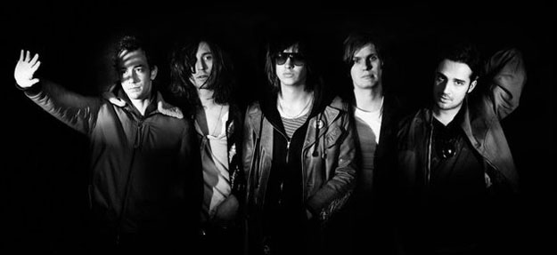 The Strokes anuncian nuevo disco y regalan One Way Trigger