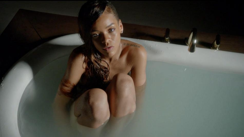 Rihanna y Mikky Ekko se ponen melancólicos en el videoclip de Stay