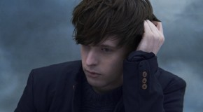James Blake presenta videoclip animado para Voyeur, otro corte de Overgrown