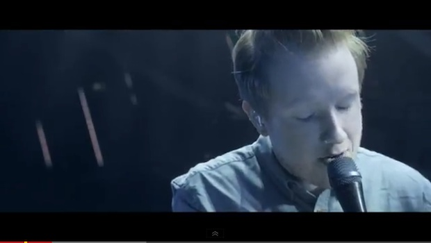 "Two Door Cinema Club apuestan por el directo en ""Next Year"""