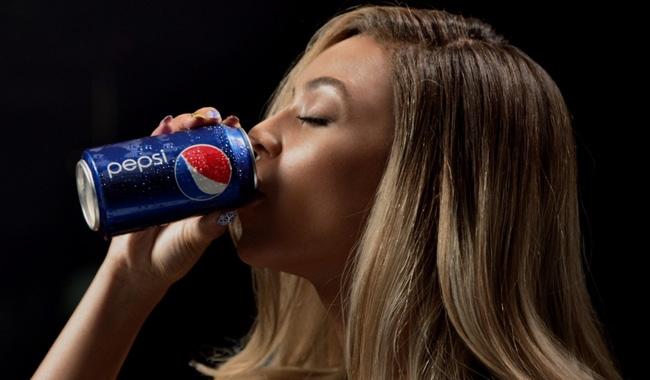 Las mil caras de Beyoncé. Grown Woman suena en el nuevo anuncio de Pepsi