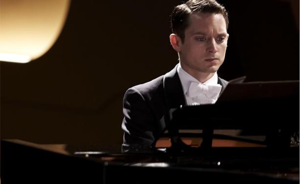elijah-wood-grand-piano-eugenio-mira