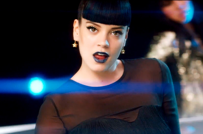 Lily Allen y el sarcasmo de su nuevo video, Hard Out Here