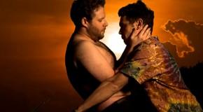 James Franco y Seth Rogen parodian el videoclip de Kanye West con Kim Kardashian