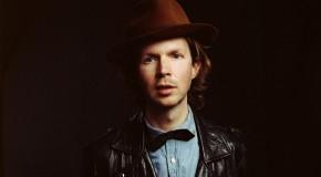 Beck regresa con Blue Moon seis años después de su último álbum