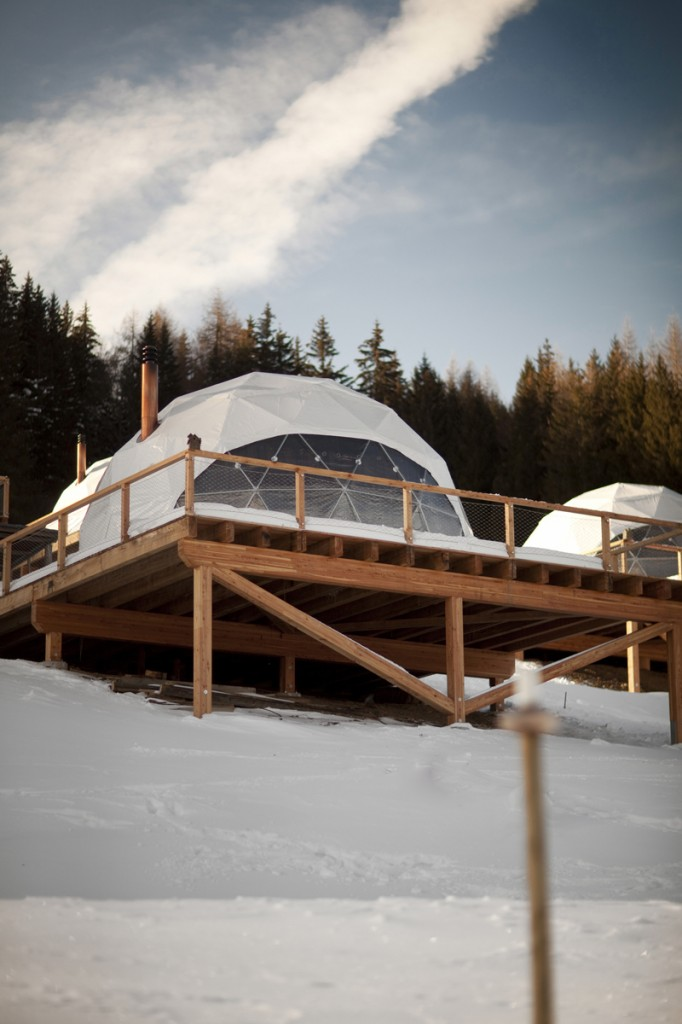 glamping-acampar-con-glamour-Whitepod Eco-Luxury Hotel (Les Cerniers - Suiza) 2