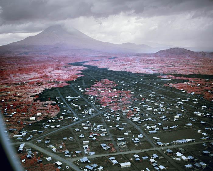 richard-mosse-pelicula-infrarroja-fotografía-guerra-documental-27