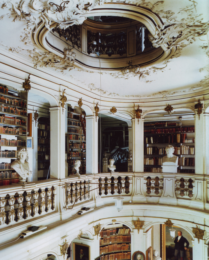 fotografía Candida Höfer Bibliotheke Anna Amalia de Weimar, Alemania