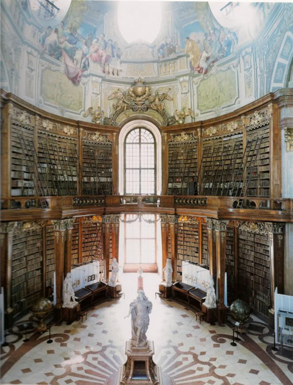 fotografía Candida Höfer Biblioteca de Viena