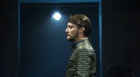 Victòria D'Enric V, el precio del honor