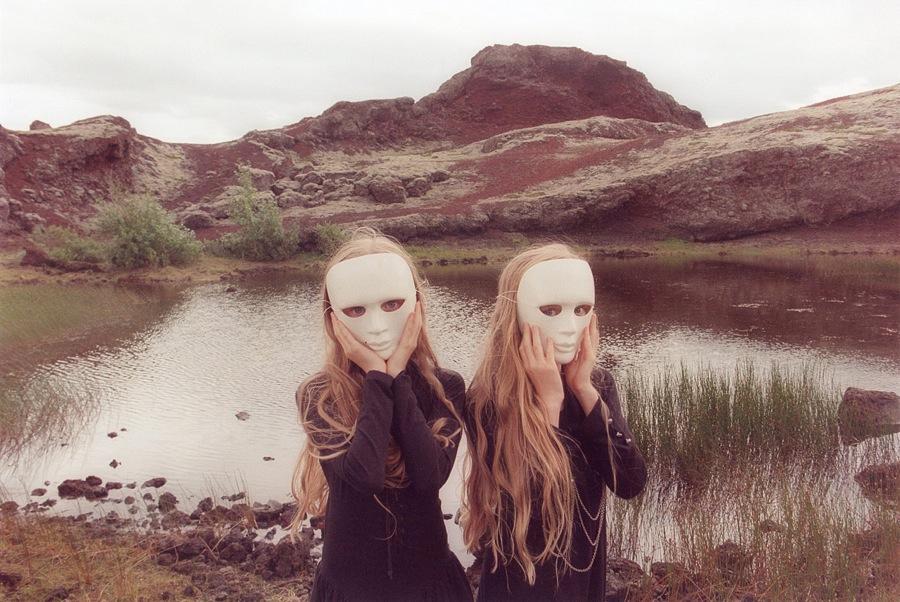 Sueños compartidos. Erna y Hrefna, por Ariko Inaoka - 2011 2