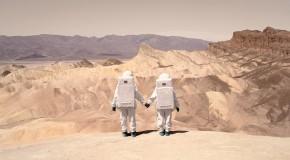 Greetings From Mars: la oda espacial de Julien Mauve