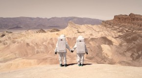Greetings From Mars: la oda espacial de Julien Mauve